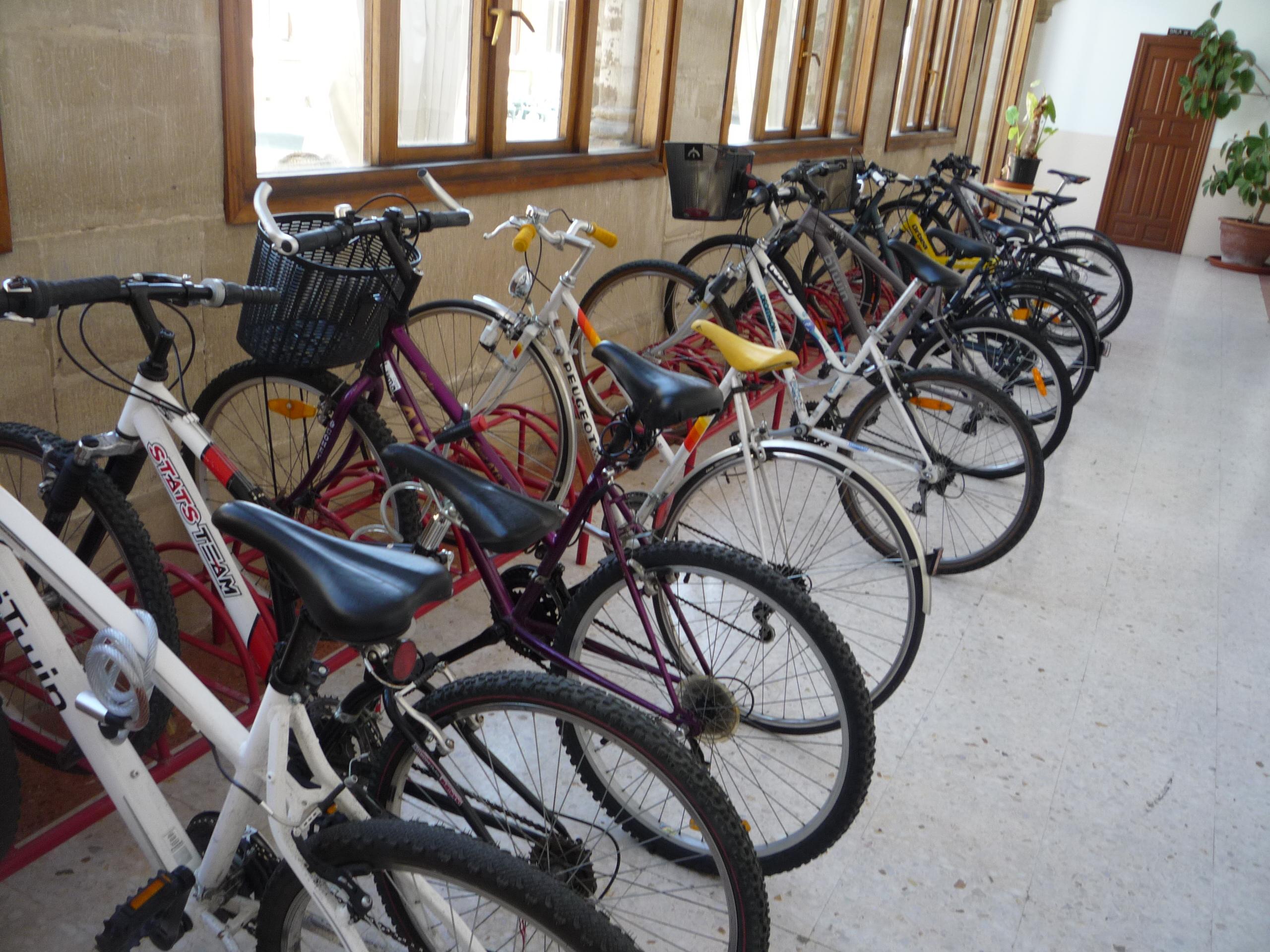 Residencia Universitaria SAN JOSE - Parking Bicis